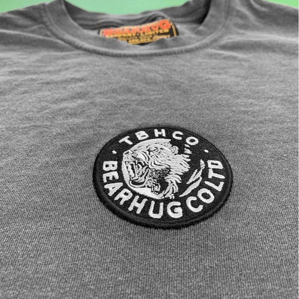 Posisi terbaik bordir logo pada pakaian